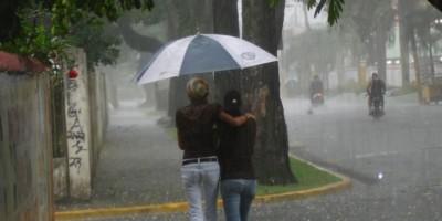 Vaguada continuará provocando lluvias en el noreste del país