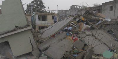 Escombros de la edificación de tres niveles que se derrumbó en la explosión de la envasadora de gas. Foto:Roberto Guzmán