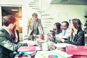 8- Los beneficios de tenerlos. Aunque para algunos se trata de una generación un poco incierta, carente de visión a largo plazo, hay importantes beneficios de trabajar con millennials. Han logrado con sus exigencias mejorar aspectos fundamentales para la productividad, como el clima laboral, las condiciones de trabajo o el uso de nuevas tecnologías para mejorar procesos. Foto:Fuente externa