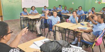 Muchos padres no tienen confianza en la escuela pública. Foto:Mario de peña