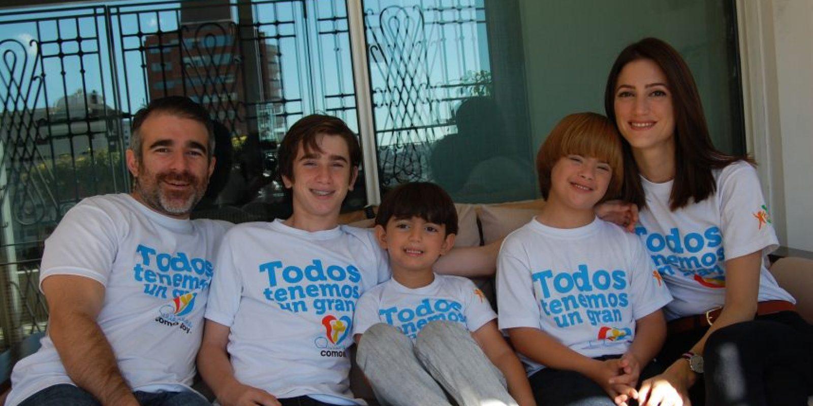 """José Fernando """"Nando"""", junto a sus padres y hermanos ¿ Foto: Maryelin Reyes"""