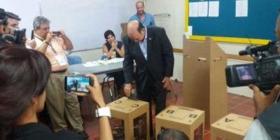 Pelegrín Castilo en su voto Foto:Fuente Externa