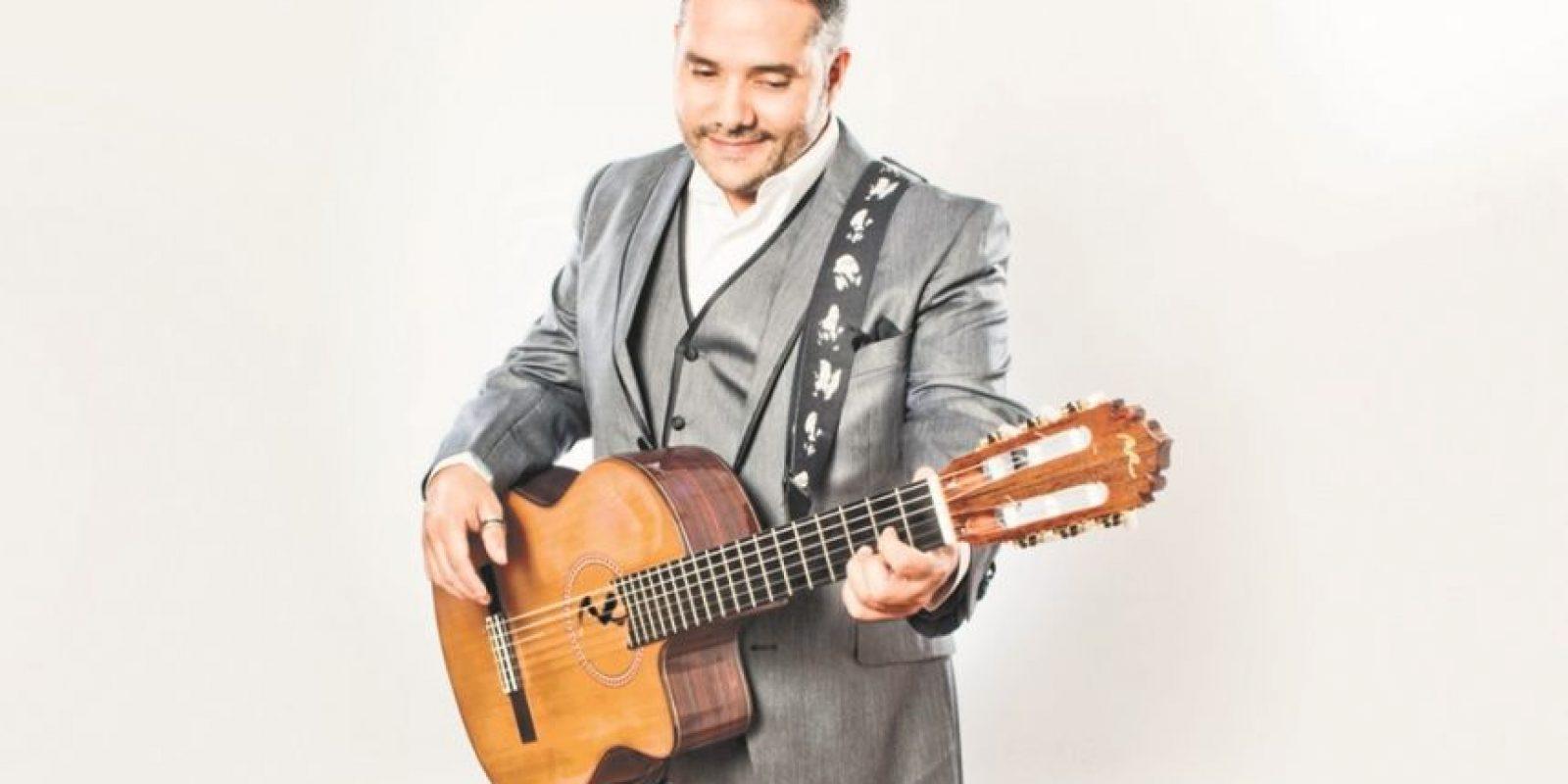 """Pavel Núñez: """"Al otro lado de la calle"""" fue la probadita que, desde mediados de año, sonó su más reciente disco """"De mis insomnios"""". Para sorpresa del cantautor, a pesar de ser diferente a su anterior repertorio, el tema ha calado en el gusto del público."""