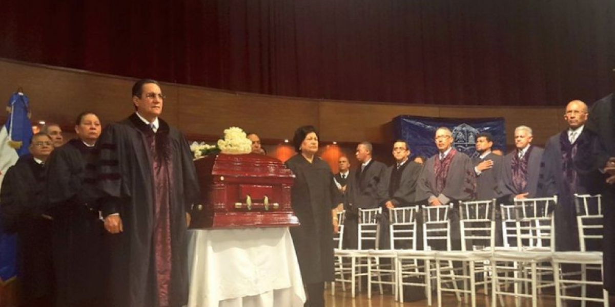 UASD rinde homenaje a Mateo Aquino Febrillet