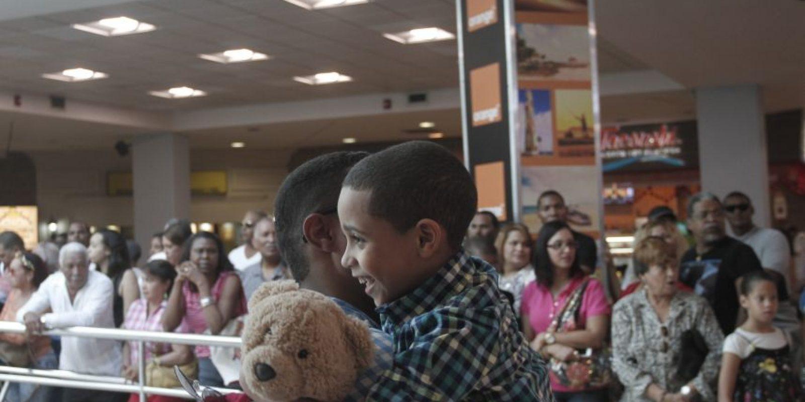 Los momentos más emotivos son los reencuentros de los padres con sus pequeños hijos. Foto:Roberto Guzmán