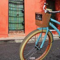 """Recorre """"la zona"""" en bici. Foto:Mario de Peña"""