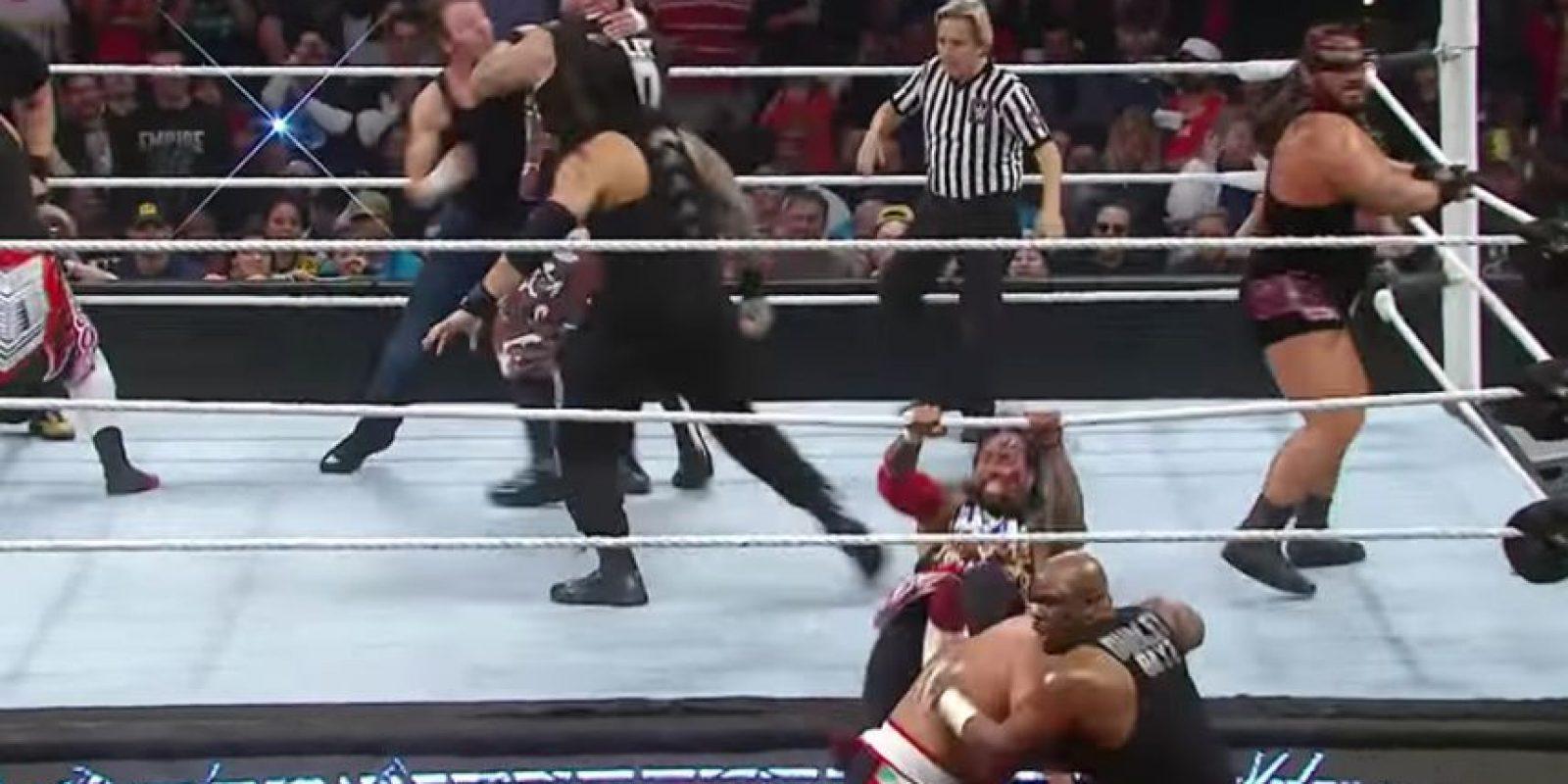 La noche de este lunes, el ring de Raw recibió a 16 luchadores. Foto:WWE
