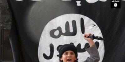 Y con la bandera de ISIS Foto:Twitter.com – Archivo