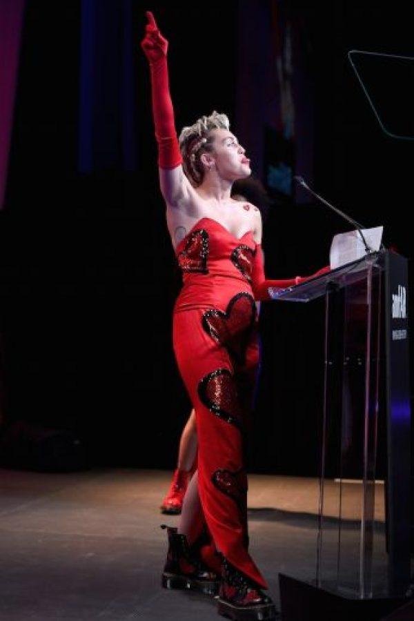 Aunque su vestido no fue del total agrado de los expertos en moda, fueron sus vellos axilares los que volvieron generar controversia. Foto:Getty Images