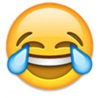 Rostro con ojos llorando de felicidad. Foto:vía emojipedia.org
