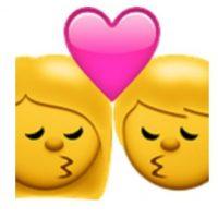 Beso entre hombre y mujer. Foto:vía emojipedia.org