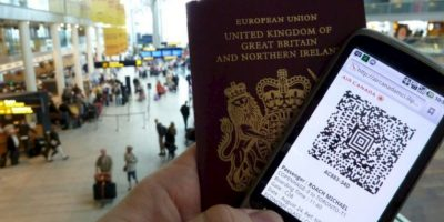 Luego de invertir 11 horas de trabajo los británicos pagan 100 dólares por el pasaporte. Foto:Vía Flickr