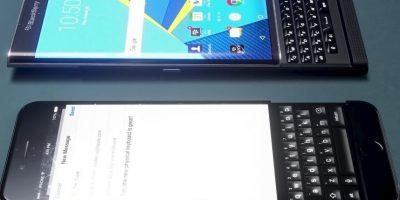 Una comparativa con BlackBerry Priv. Foto:vía Curved / YouTube