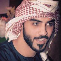 Además es fotógrafo, actor y poeta árabe. Foto:vía instagram.com/omarborkan