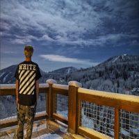 Y montañas nevadas son algunos de los elementos que destacan en sus últimas publicaciones. Foto:Instagram/justinbieber