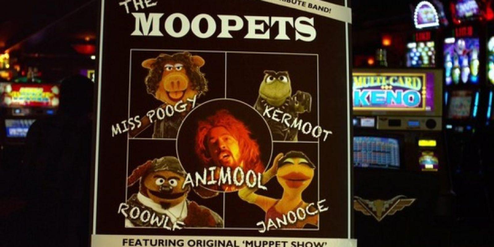 """En la cinta le dio vida a """"Animool"""", el baterista de un grupo llamado """"The Moopets"""". Foto:Instagram/themuppets"""
