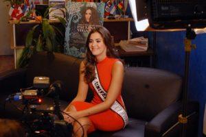 Miss Universo Paulina Vega. Foto:Comisión Latina sobre el SIDA