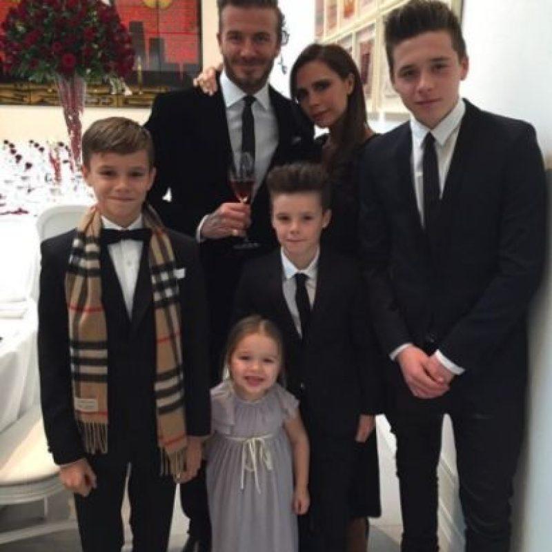 Luego de enfrentar los rumores, la pareja permanece unida y con una adorable familia. Foto:vía instagram.com/victoriabeckham