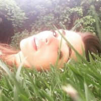 La joven ha dejado con la boca abierta a sus seguidores por las sensuales fotos que publica en redes sociales. Foto:vía instagram.com/lucyvives