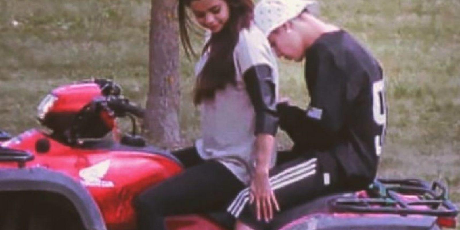 """Sin embargo, en la primerq imagen, Justin solo se limitó a escribir: """"Es un simple TBT, cálmense"""". Foto:vía instagram.com/justinbieber"""
