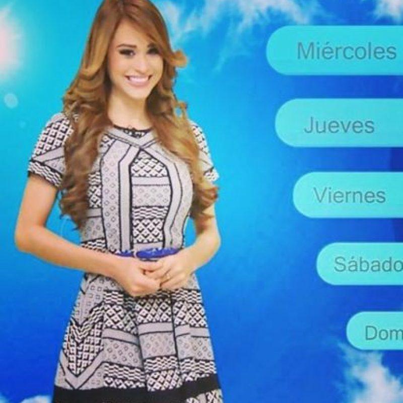Yanet inició su trabajo en televisión como edecán de programas en vivo. Foto:vía facebook.com/yanetgarciapaginaoficial