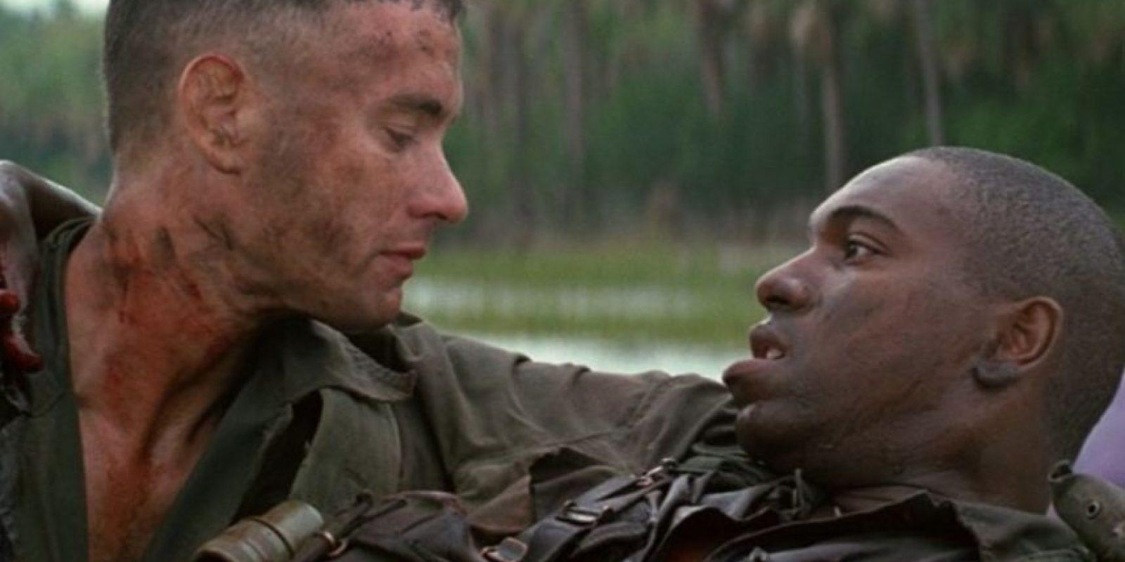 """2- La cinta """"Forrest Gump"""" está basada en la novela homónima del escritor Winston Groom. La película ganó en 1994 los Óscares a mejor película, mejor director, mejor actor, mejor guion adaptado, mejores efectos visuales y mejor montaje. Foto:Paramount Pictures"""