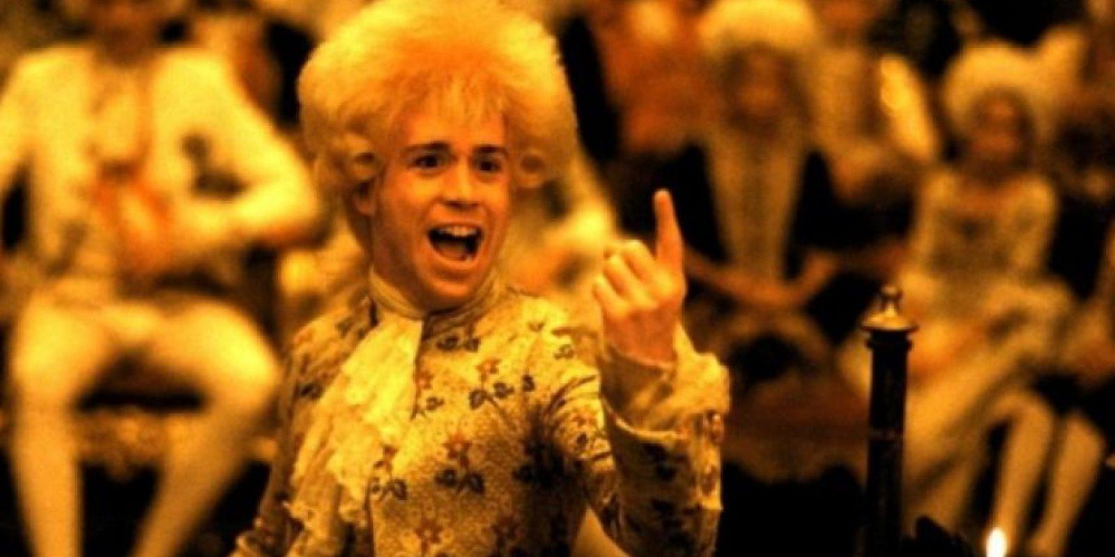 """15- """"Amadeus"""" es una película estadounidense categorizada como una película de culto de 1984. Arrasó la entrega de ese año al ganar 8 premios Óscar. Foto:AMLF, The Saul Zaentz Company"""