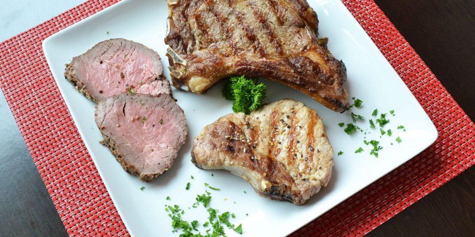 Una de las formas más saludables de preparar las carnes es a la plancha. Foto:Mario de Peña