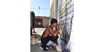 El festival incluyó engalanar con arte visual las puertas de los negocios de la calle El Conde./ Mario de Peña