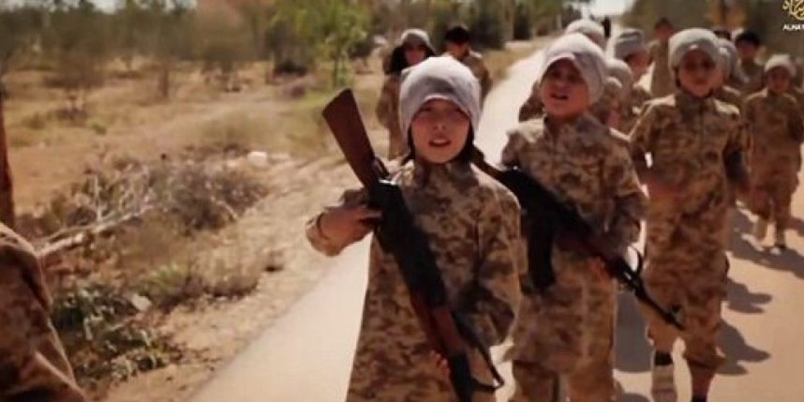 Los menores aparecen en sus videos portando armas Foto:Twitter.com – Archivo