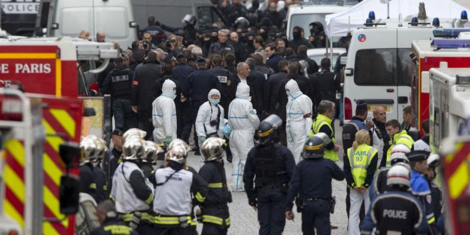 Durante el operativo se creyó que había muerto Abdaelhamid Abaaoud, quien es uno de los principales sospechosos de los atentados. Foto:AP