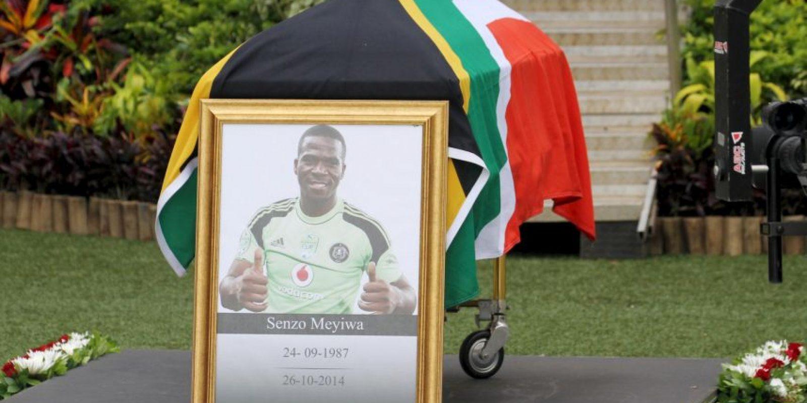Este asesinato causó la indignación del pueblo sudafricano que lloró a su jugador por varios días. Lo extraño del caso fue que los ladrones no se llevaron ninguna propiedad del lugar en el que ocurrió el crimen. Foto:Getty Images