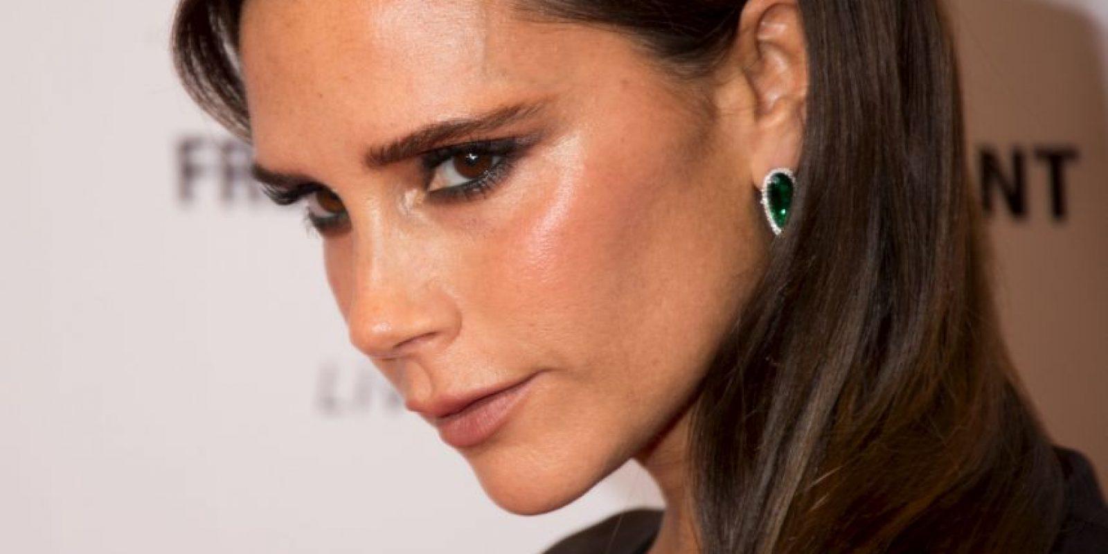 """Ante esto, Victoria Beckham, mejor conocida como """"Posh Spice"""", dio su visto bueno ante el disfraz de la socialité. Foto:Getty Images"""