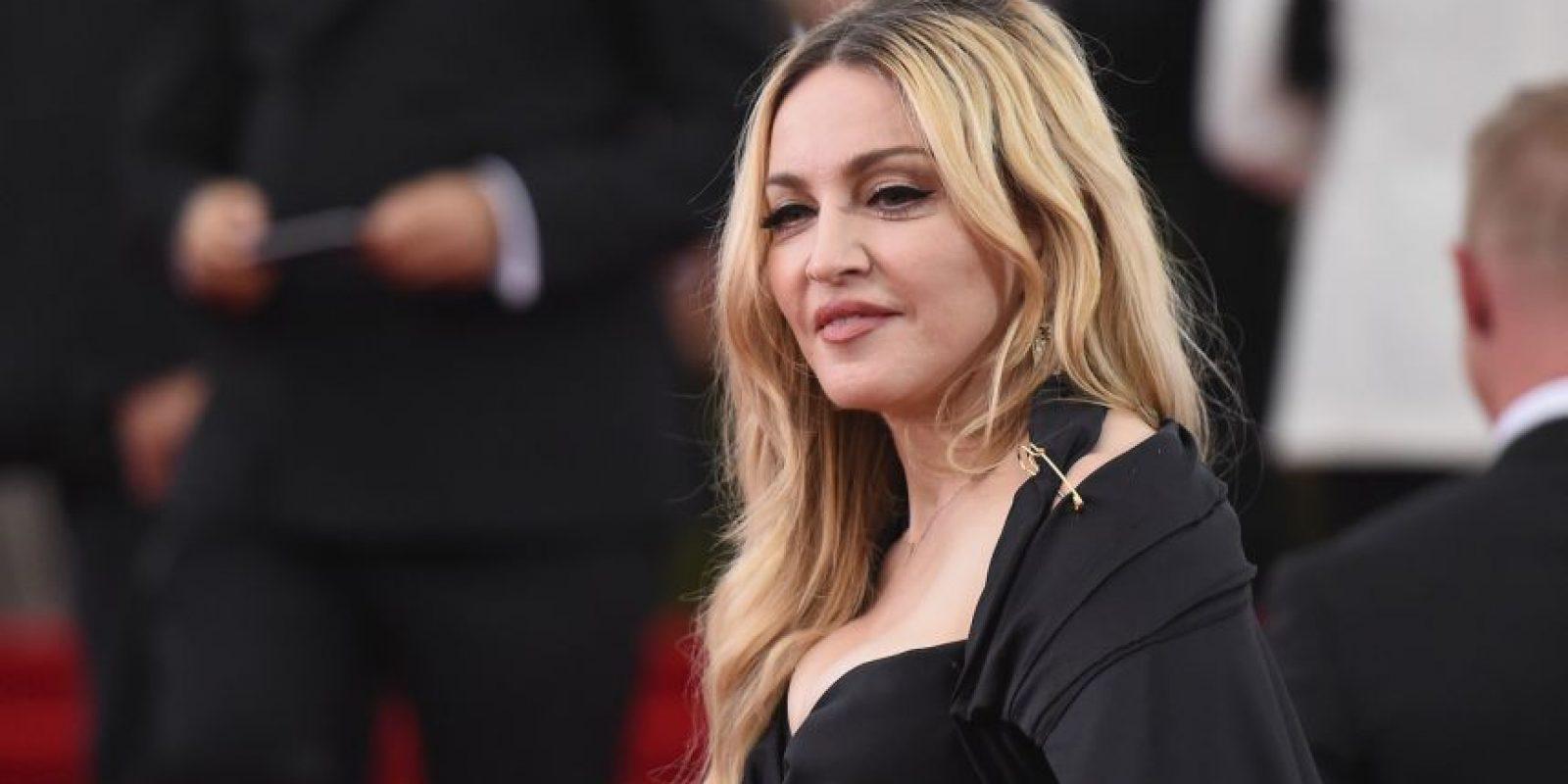 """La """"Reina del Pop"""" también le teme a la pasión que sus fans puedan sentir por ella, pues en 2012, el diario """"Daily Mirror"""" de Inglaterra publicó que una de las exigencias de la diva, es que su camerino se esterilice después de ser ocupado por ella. Foto:Getty Images"""