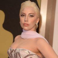 """La extrovertida cantante declaró en 2010 que le da miedo morir asesinada como John Lenon, el fallecido vocalista de los Beatles. Y Gaga hizo esta declaración con respecto a las cartas que ha recibido por seguidores suyos muy """"extraños"""". Foto:Getty Images"""