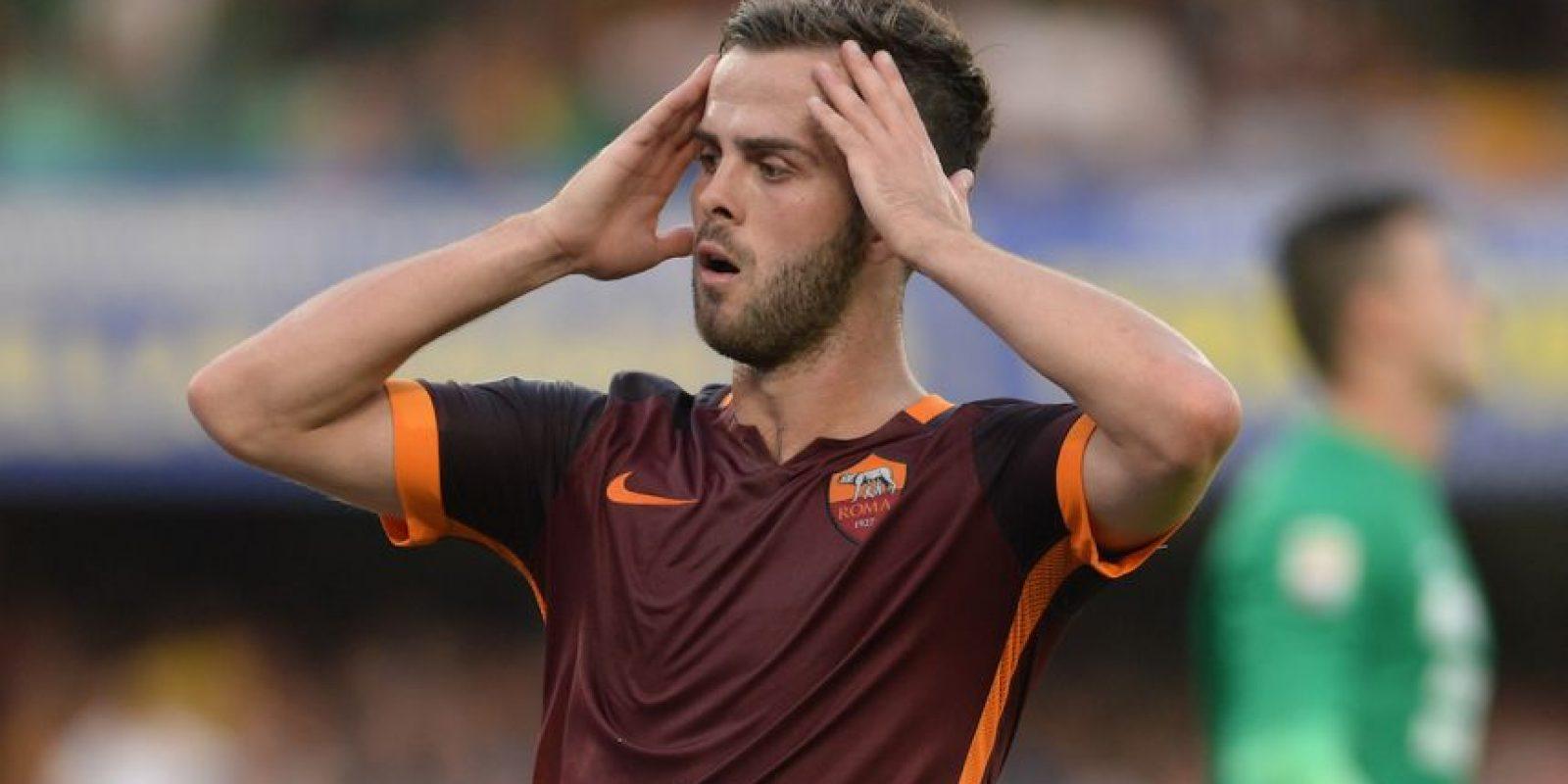 El bosnio juega actualmente en la Roma de Italia. Foto:Getty Images