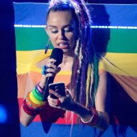 Por lo que al subir a recibir su premio, Nicki le dedicó unas palabras a Cyrus: Foto:Getty Images