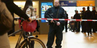 De acuerdo a otro medio, el Hannoversche Allgemeine Zeitung adelantó el pasado viernes que la célula yihadista presuntamente estaba compuesta por cinco personas Foto:Getty Images