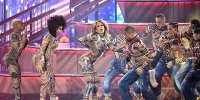 """Mientras que la cantante latina dejó con la """"boca abierta"""" al público… Foto:Getty Images"""