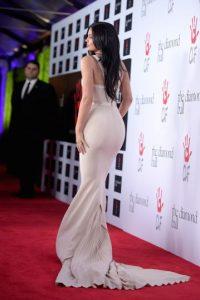 El ajustado vestido de Kylie logró destacar cada una de sus curvas. Foto:Getty Images
