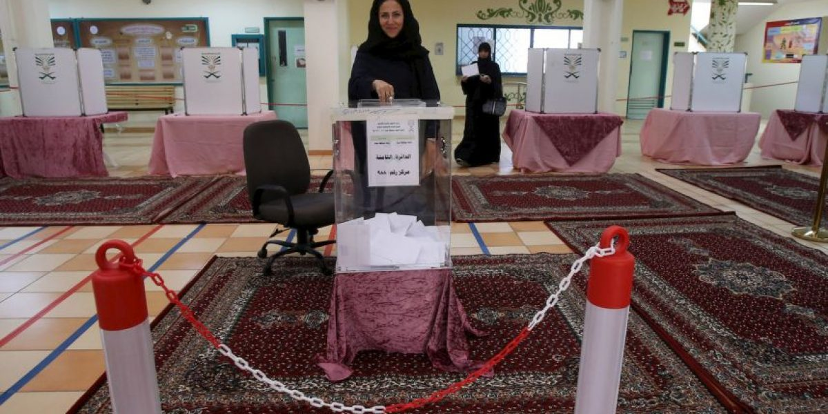Fotos: Mujeres votan por primera vez en Arabia Saudita