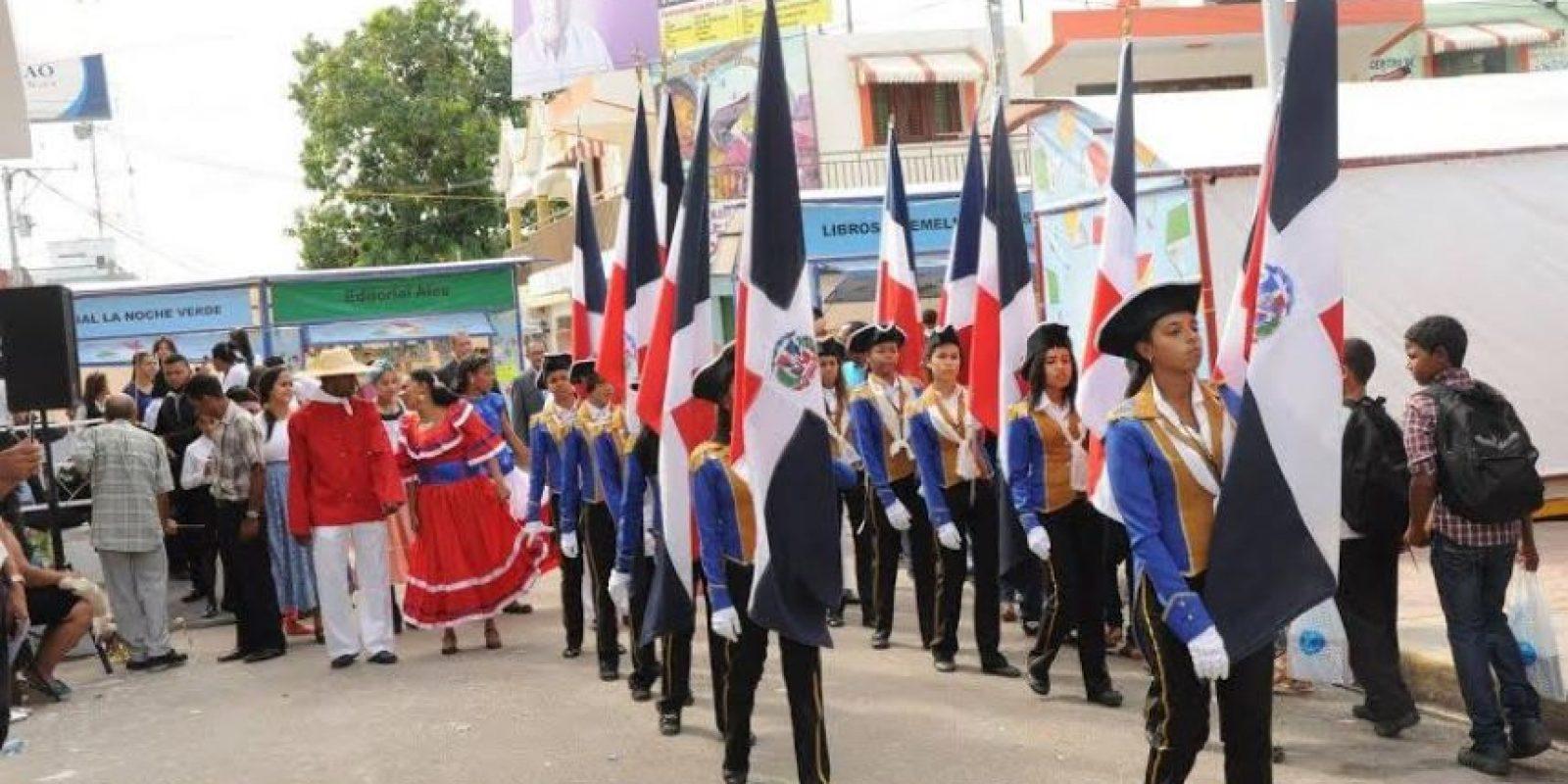 Instituciones públicas y privadas desfilaron en el festival. Foto:Fuente Externa