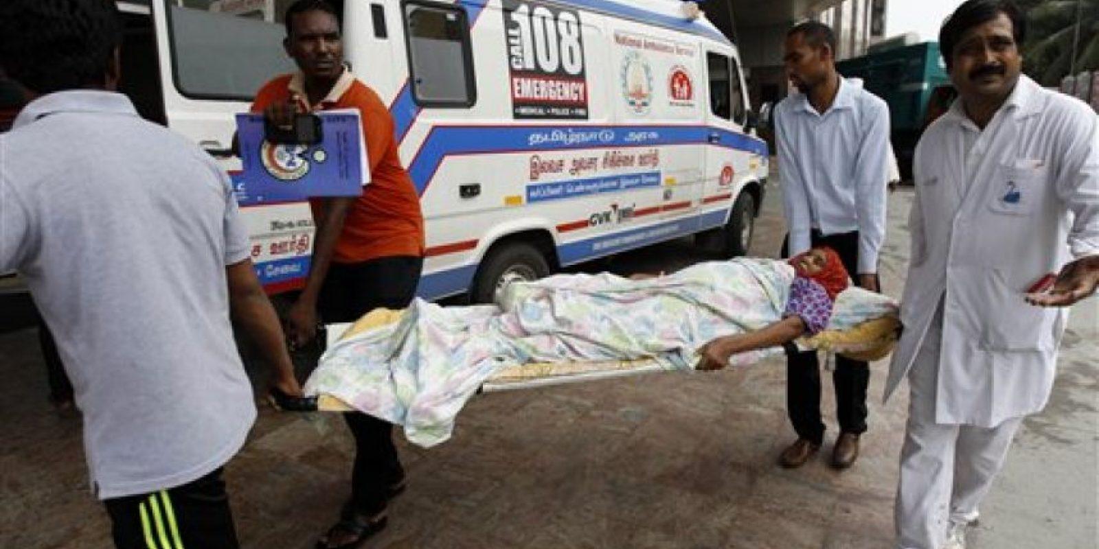 Hospitales también fueron inundados. Foto:AP