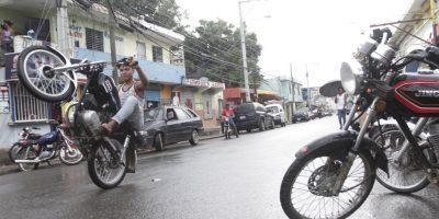 El 71.6% de los accidentados son motoristas, ya sea por imprudencias al conducir, por las inadecuadas condiciones de estos vehículos o por su fragilidad. Foto:Roberto Guzmán