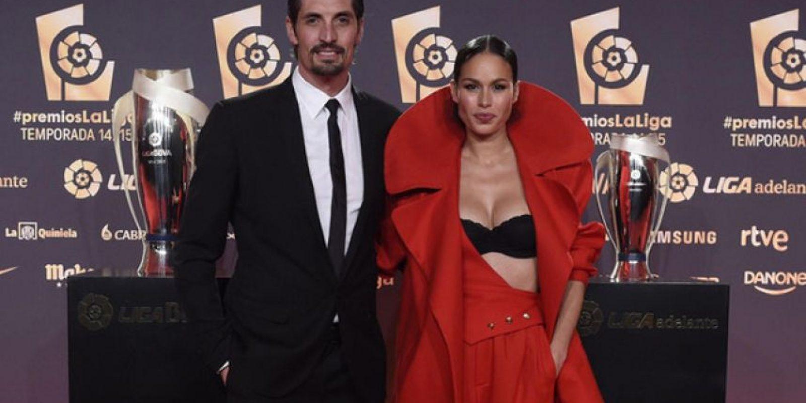 La modelo Mireia Canalda robó miradas al mostrar su sostén negro Foto:La LIga
