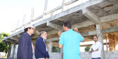 OISOE reactiva construcción de escuela y hospital paralizados durante varios años