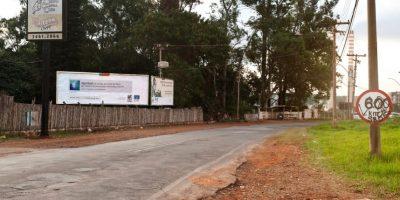 Las vallas se ponen en vías primarias para que todos lo puedan ver. Foto:racismovirtual.com.br/