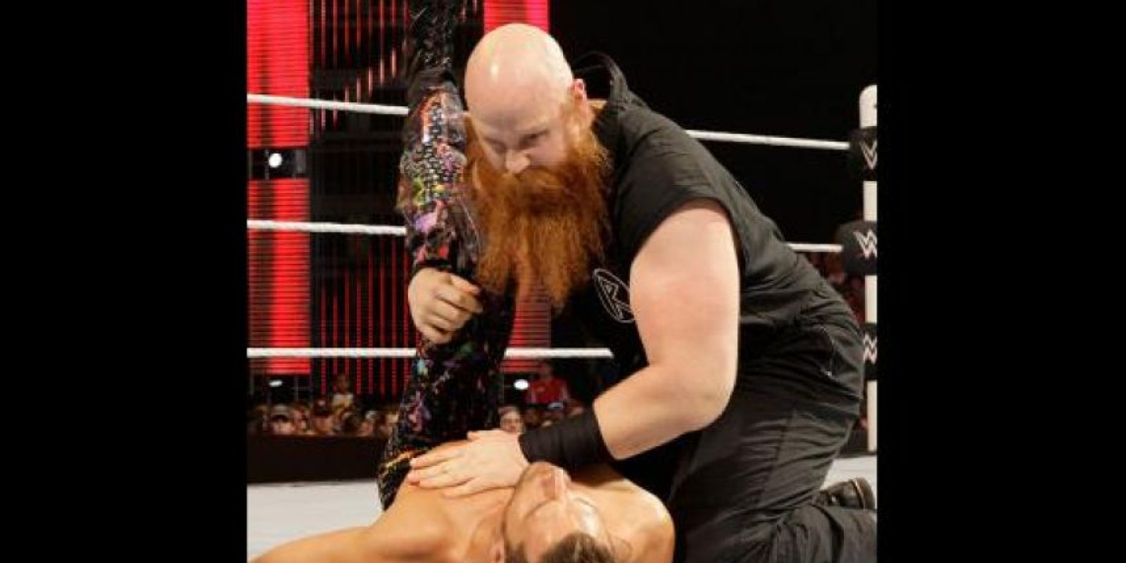 Se espera que la Familia Wyatt se disuelva el próximo año y uno de los sacrificados sería el calvo de la barba roja Foto:WWE
