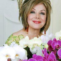 Ahora vive en Miami y es una celebridad por su vida junto al capo (aunque ya era conocida como una preparada periodista y diva televisiva en Colombia). Foto:vía Facebook/Virginia Vallejo García