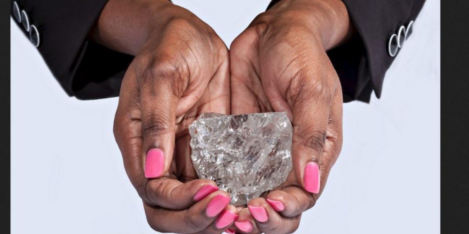 Así luce el diamante descubierto al sur de África. Foto:Vía lucaradiamond.com